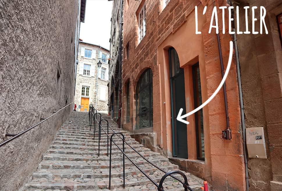 Entrée de l'agence rue Rochetaillade